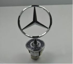 Емблема преден капак MERCEDES-BENZ C-CLASS (W203) цена 23 лева продава Ем Комплект Дружба 0884333261